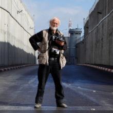 להראות לאנשים את מה שאינם רואים: על ״קודלקה: שוטינג הולילנד״